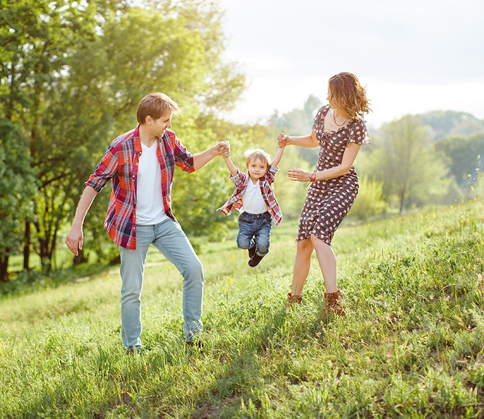 Get started with a Union Savings Bank Checking Account, enjoy life with your happy family.