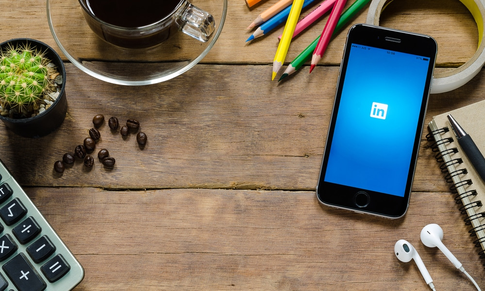 LinkedIn Thumb - 5 Tips For Using LinkedIn To Help Grow Your Business